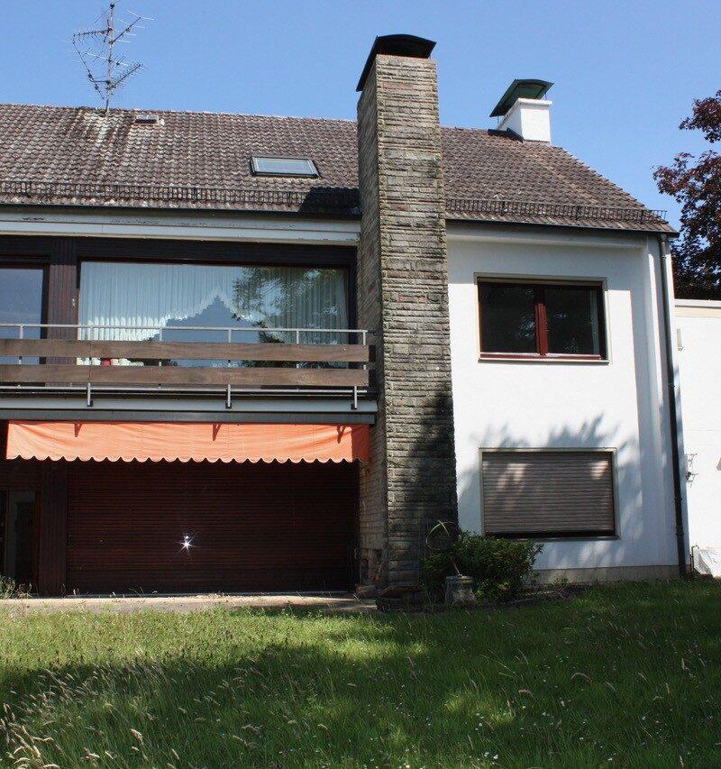 Einfamilienhaus mit Steinelementen