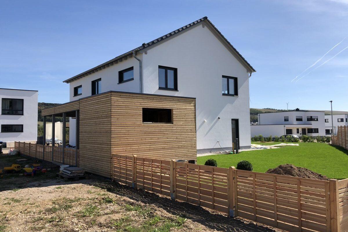 Lichtdurchflutetes Einfamilienhaus mit Satteldach
